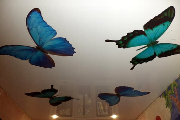 Print logos and motifs on your ceiling